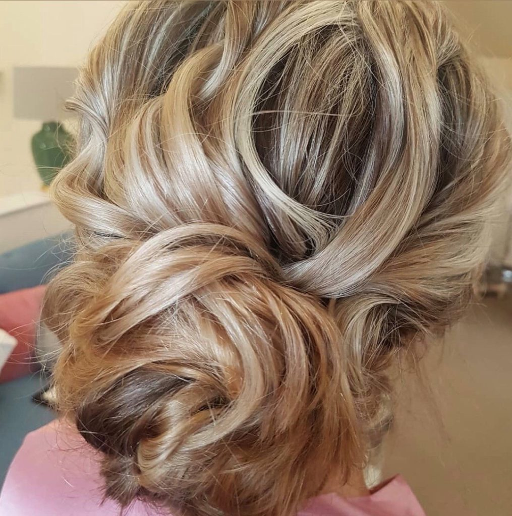 textured hair up do