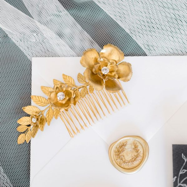 Diana gold hair comb